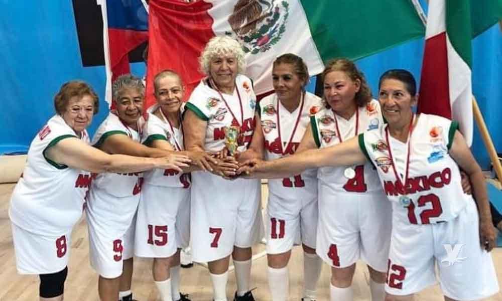 """Las Adelitas"" abuelitas mexicanas campeonas de Mundial de Maxibaloncesto"