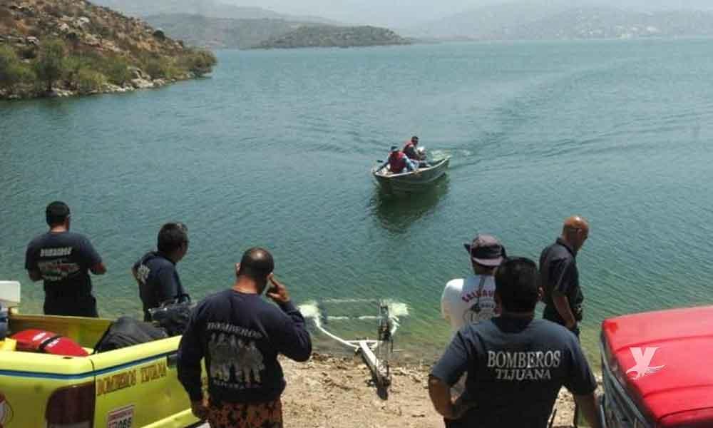 """Niño es trasladado inconsciente al ser rescatado al fondo de la presa """"El Carrizo"""""""