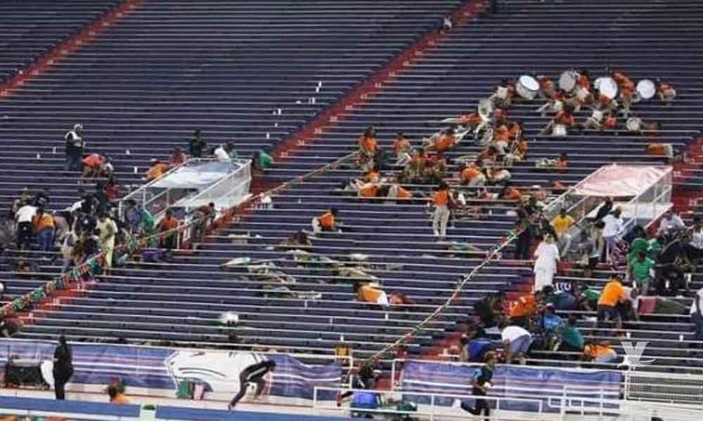 Pandilleros se enfrentan a disparos en tribuna de partido de futbol colegial