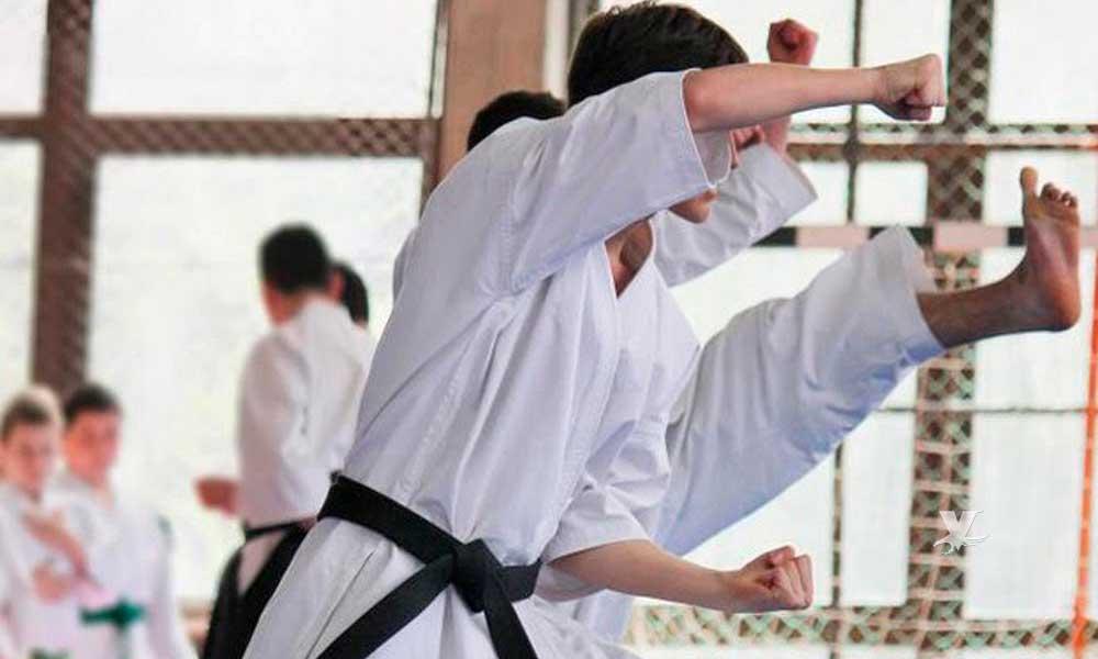 Utiliza el karate para darle golpiza a compañero adolescente
