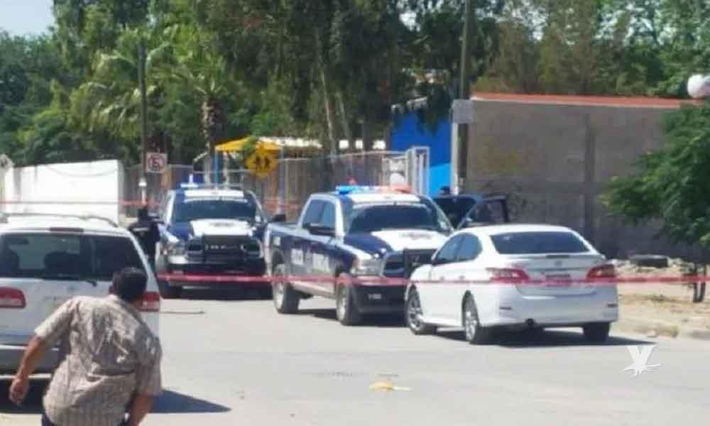 Hombre es asesinado mientras caminaba de la mano con su hijo para inscribirlo en el kínder