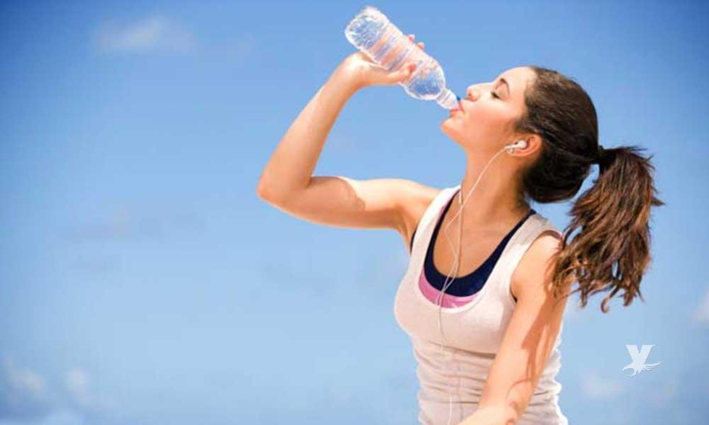 ¿Cuánta agua debes tomar según la edad?