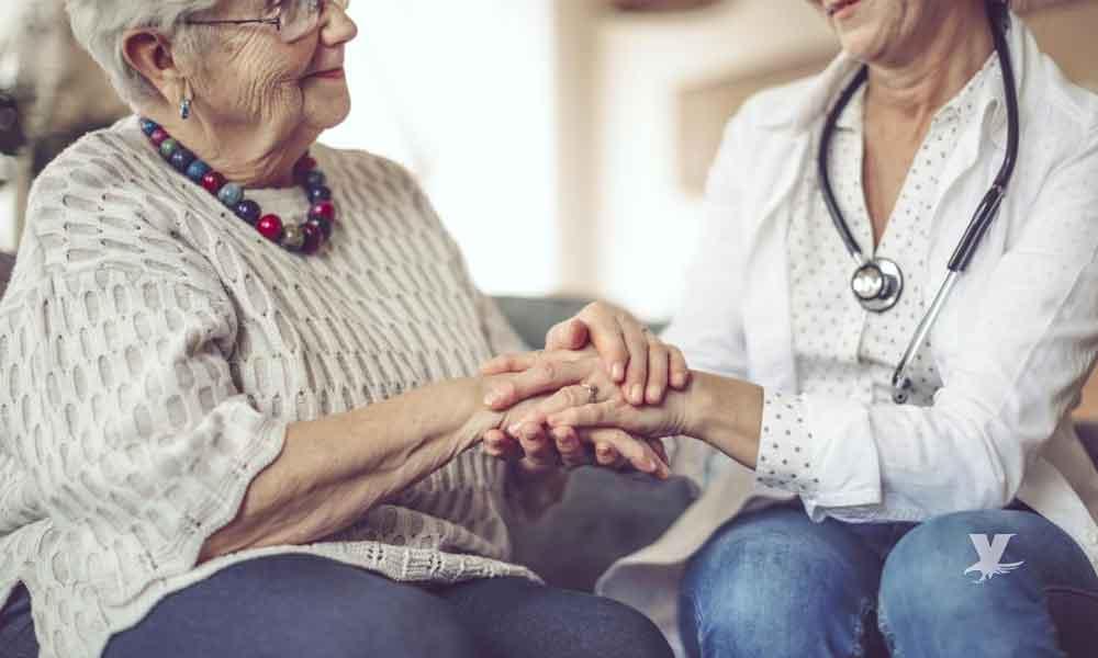 Mujeres tienen el triple de riesgo de padecer Alzheimer