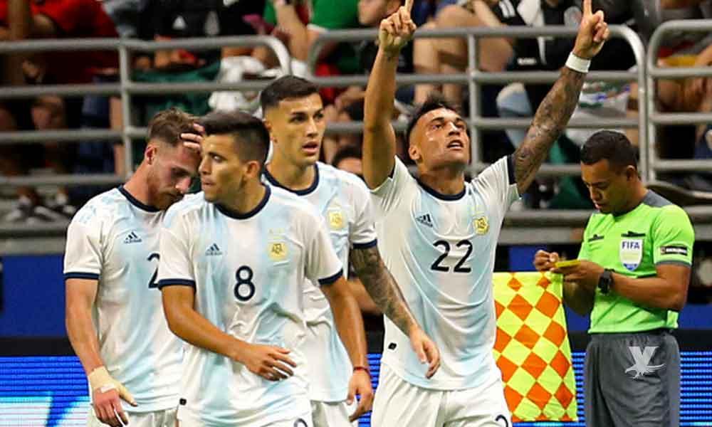 Argentina aplastó a México, le bastó medio tiempo para definir el partido