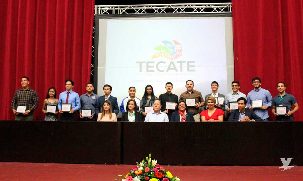 Reconocen a jóvenes destacados con el 'Premio Municipal de la Juventud 2019' en Tecate
