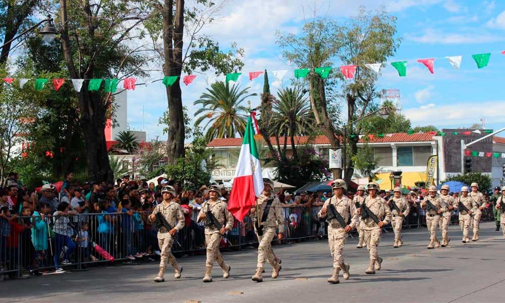 Desfilan en Tecate por el 209 aniversario del Inicio de Independencia de México