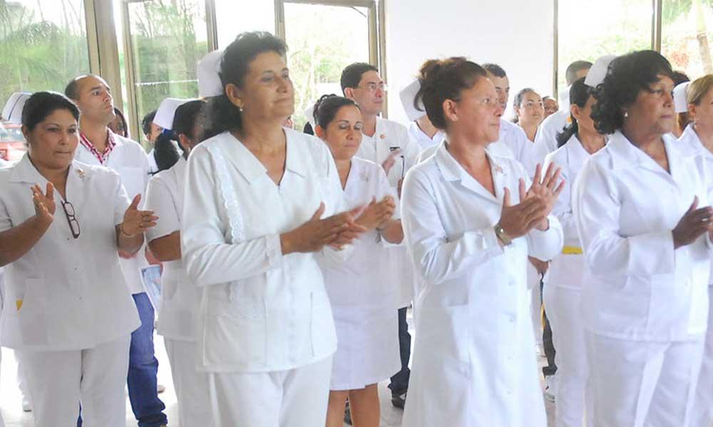 Alemania ofrece hasta 70 mil pesos de sueldo para enfermeros y enfermeras mexicanas