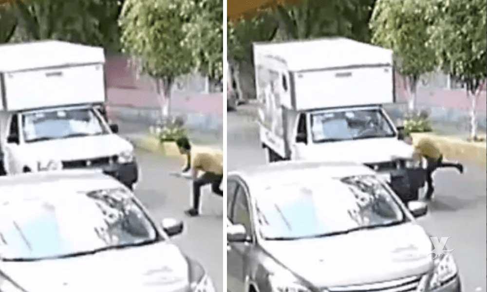 (VIDEO) Hombre se lanza contra los autos para buscar estafar a los conductores