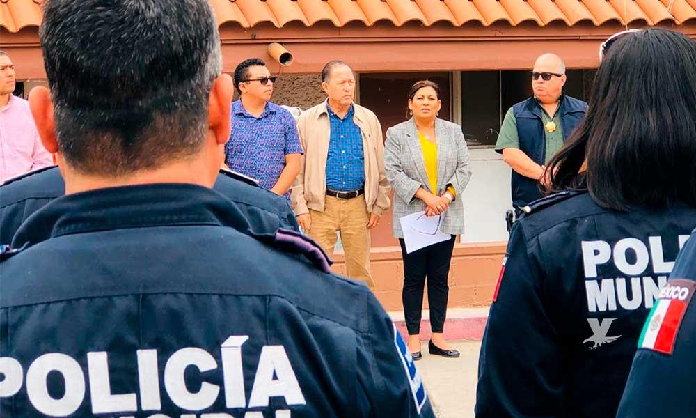 Nereida Fuentes realiza último pase de lista a Policías