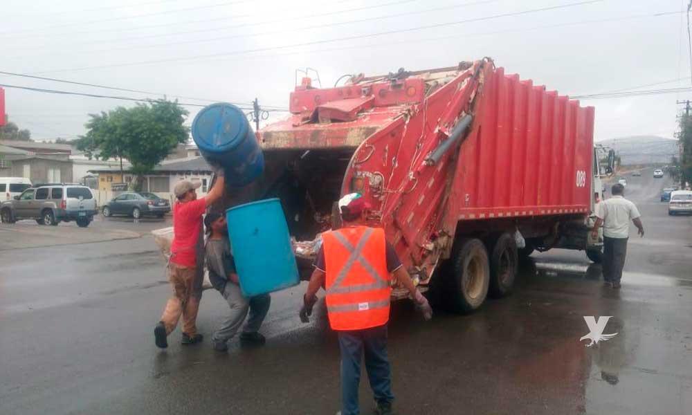 Obras Públicas combate rezago de basura en Tecate