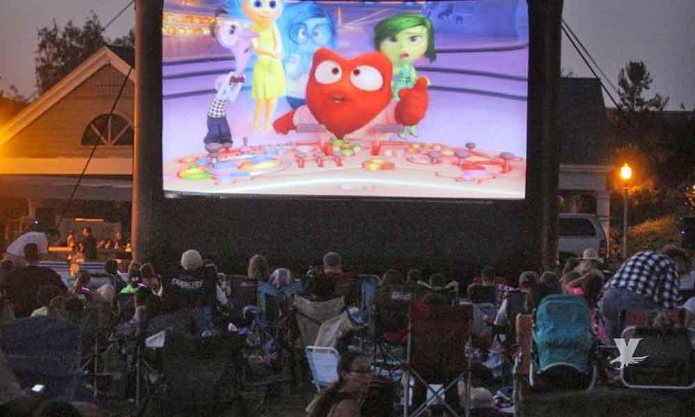 Proyectan gratis películas en los parques de San Diego