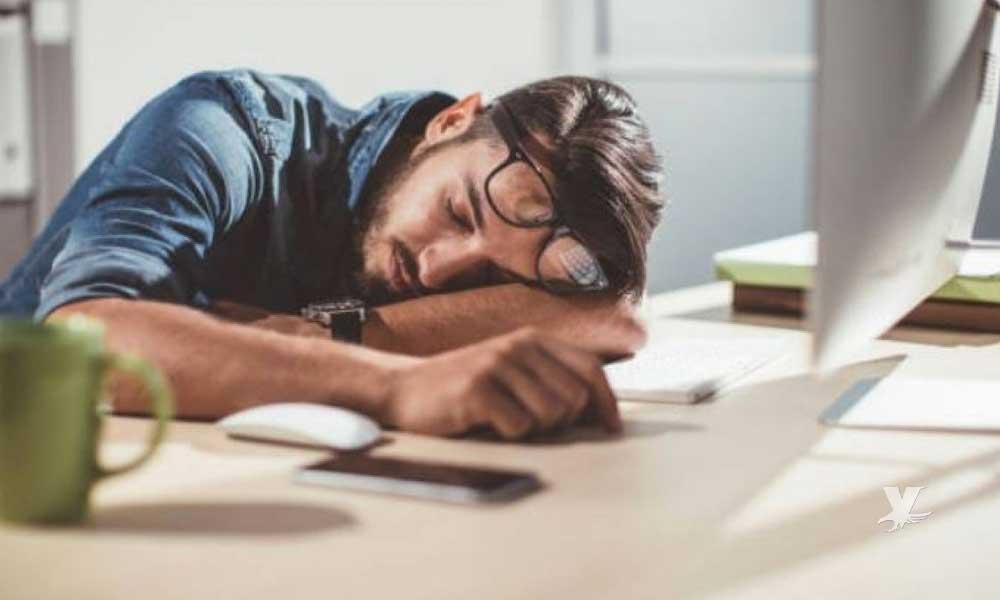 Consejos para combatir los momentos en los que te da sueño en el trabajo