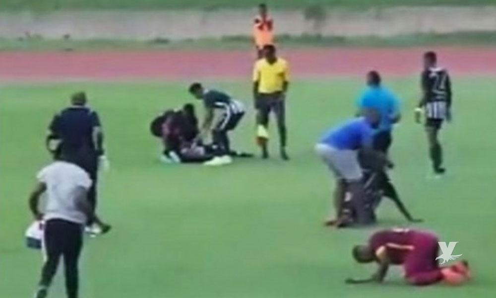 (VIDEO) Rayo cae en pleno partido de futbol lesionando a 4 jugadores