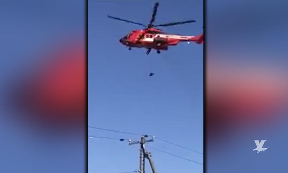 (VIDEO) Abuelita de 77 años cae desde helicóptero-ambulancia a unos 40 metros de altura