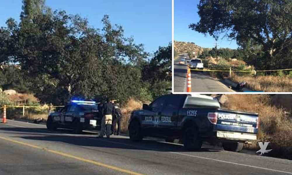Encuentra cuerpo sin vida en la carretera Tecate-Ensenada a unos metros de las oficinas de la Policía Federal