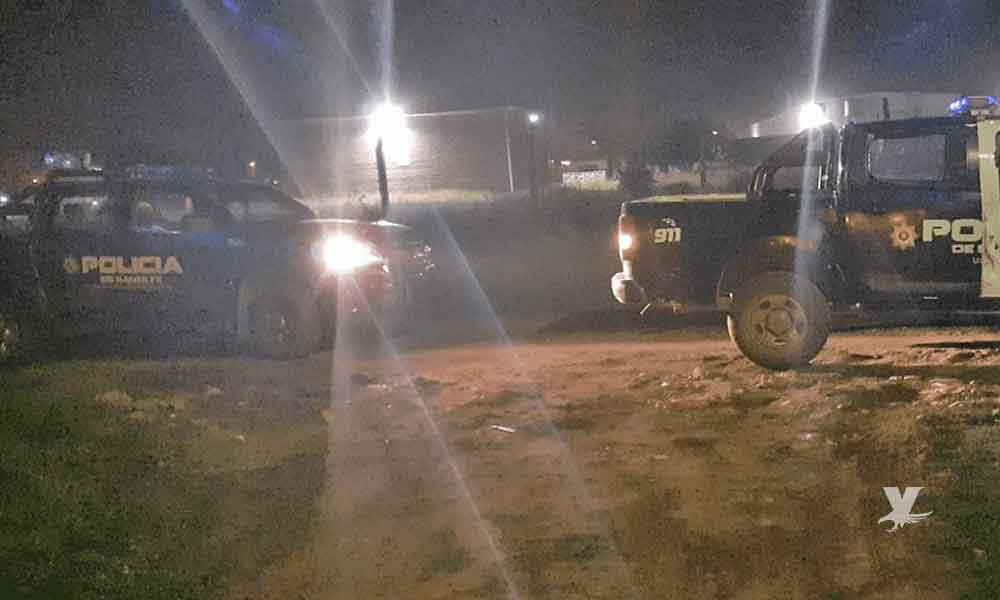 Oficiales de policía son sorprendidos teniendo relaciones sobre una patrulla