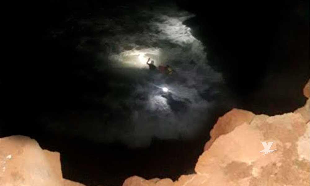 Salvavidas rescatan a pareja en acantilado en Playas de Rosarito
