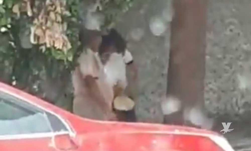 (VIDEO) Taquero es grabado besando y tocando a menor de edad a cambio de comida