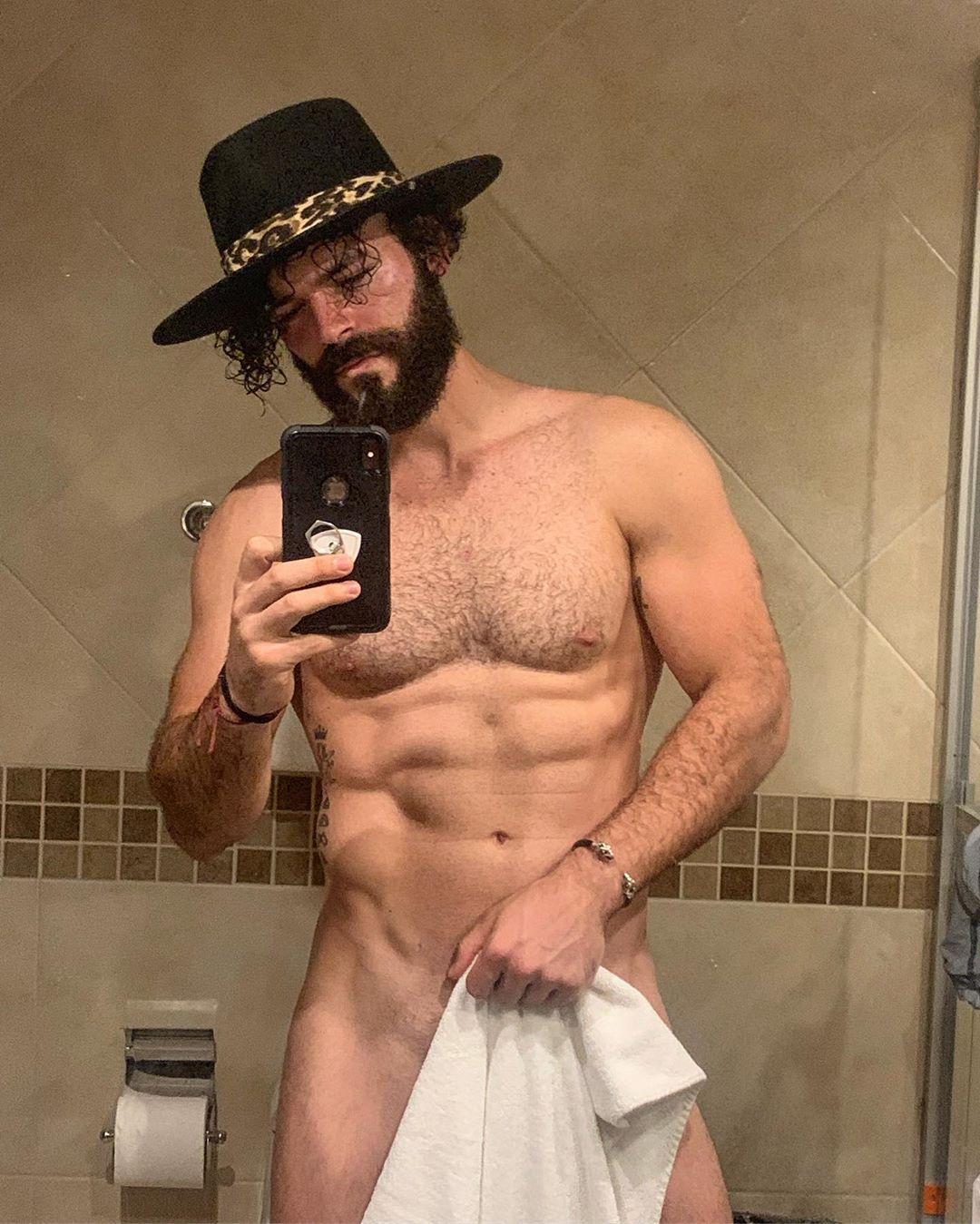 Adrian Actor Porno Desnudo foto) adrián dimonte es criticado por mostrar fotografía sin