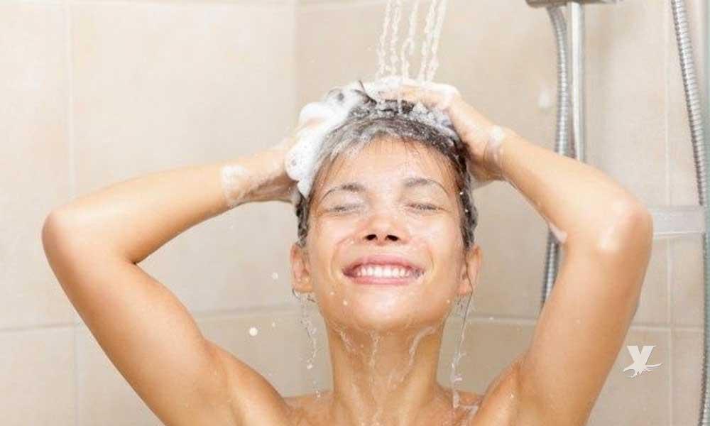 Bañarse diario es un problema que puede dañar la salud