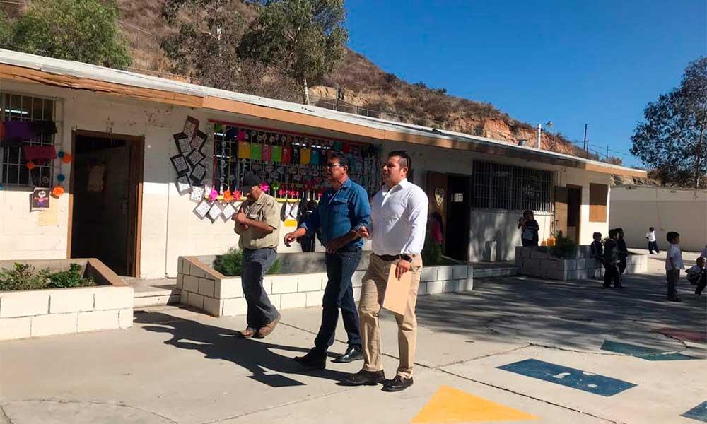 Realiza Delegado de Bienestar recorrido se supervisión en obras de Tecate