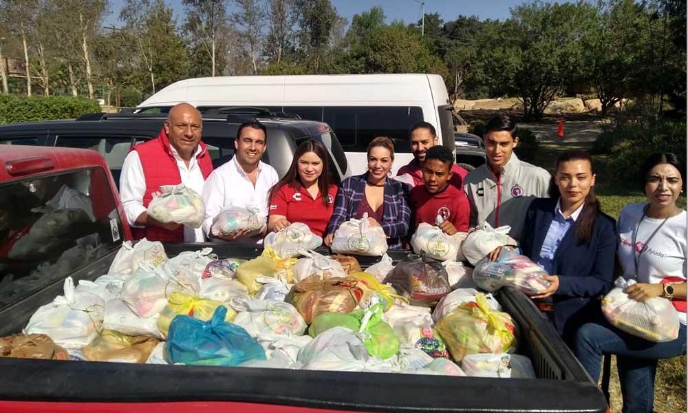 Recibe Zulema Adams apoyo de Grupo Caliente para familias damnificadas en Tecate