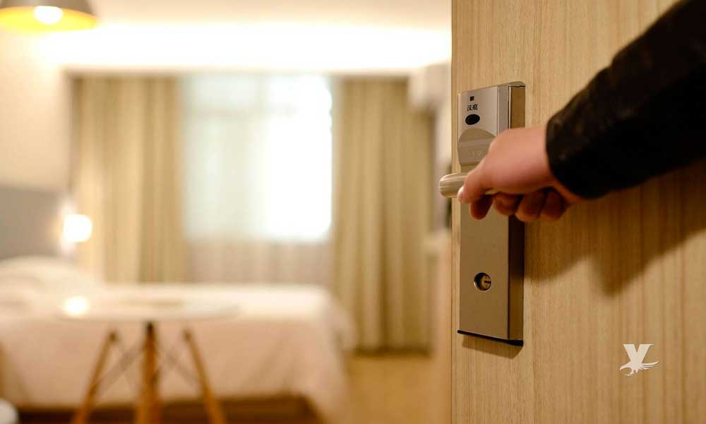 Hotel cobra 1 dólar por noche al hospedarte en sus cuartos y dejar grabar tu estancia