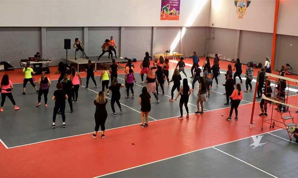 40 mujeres queman calorías y mejoran su condición física en súper clase de ZUMBA en Tecate