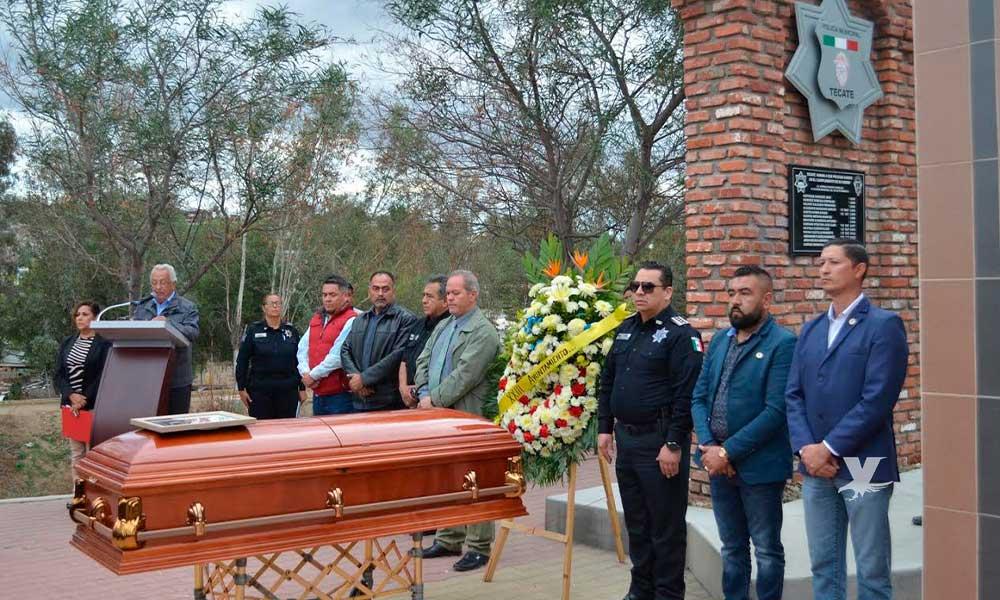Homenaje póstumo y despedida a Juan de Dios Rivera, elemento de seguridad abatido
