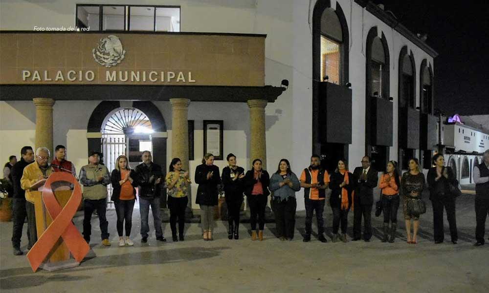 Se tiñe de naranja Palacio Municipal de Tecate para la Erradicación de la Violencia contra las Mujeres