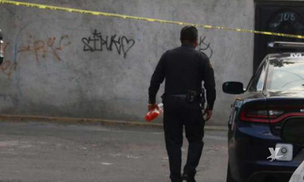 (VIDEO) Hombres armados abren puerta de una patrulla y ejecutan a un policía