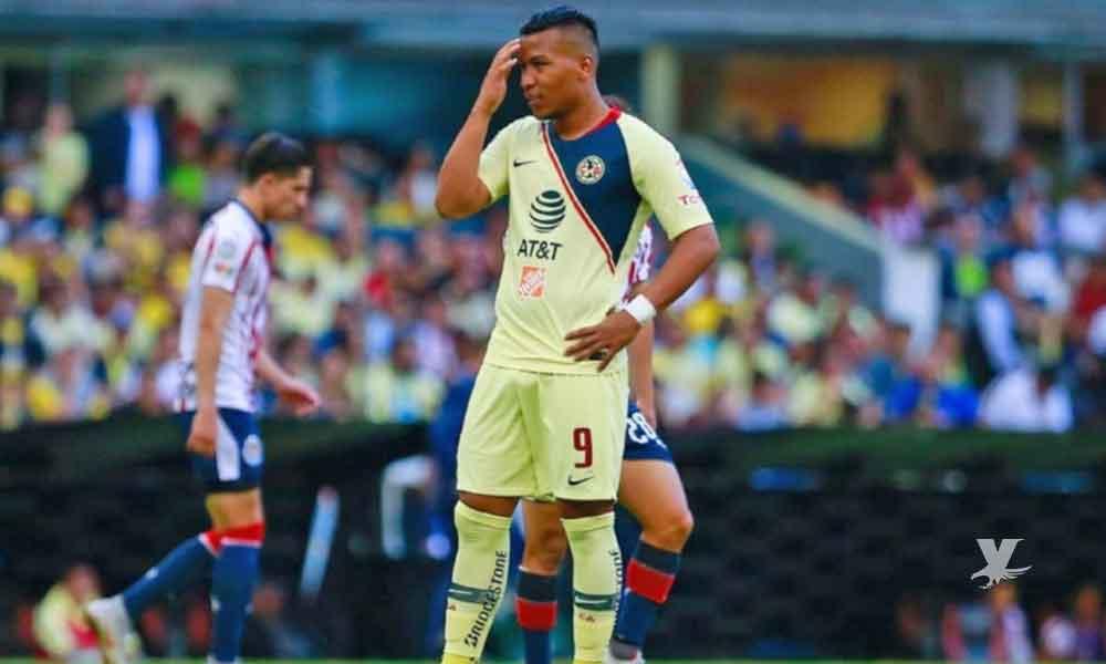 (FOTO) Roger Martínez jugador del América sufre supuesta filtración de 'pack' y plática con una mujer que no es su esposa