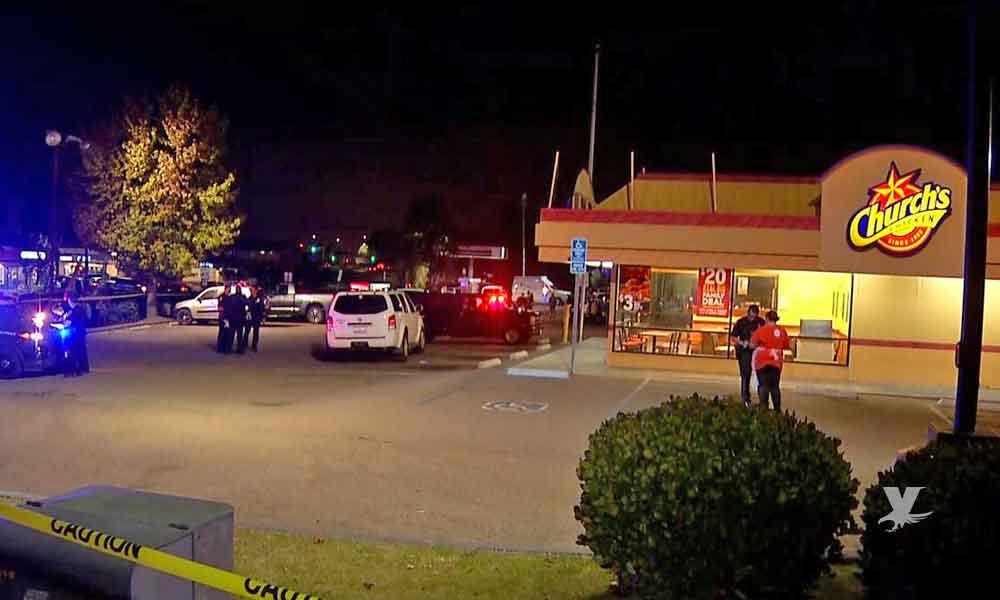 """Muere hombre en tiroteo dentro de restaurante """"Church's Chicken ' en San Diego"""