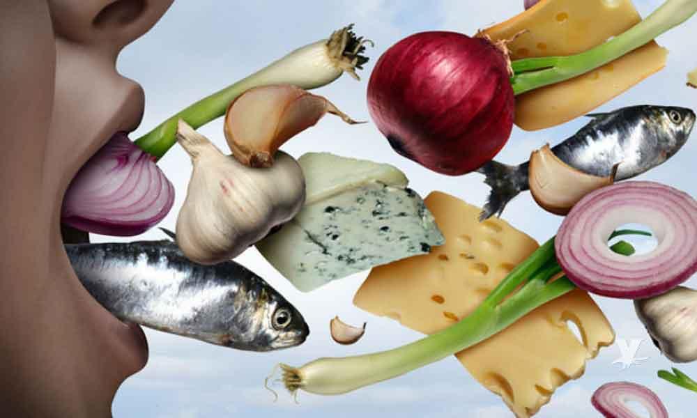 Alimentos que pueden ocasionarte mal aliento