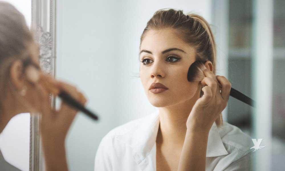 Maquillaje puede estar contaminado con bacterias que pueden causa acné hasta envenenamiento de la sangre