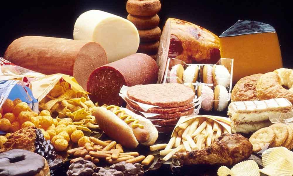 Alimentos que envejecen a las personas con mayor rapidez
