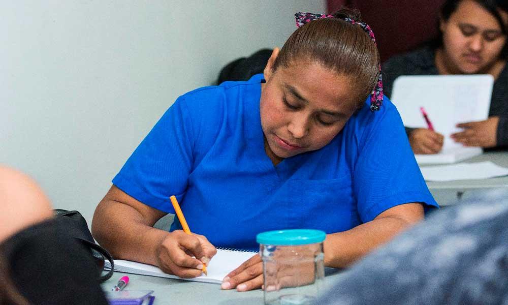 Invita DIF BC a nuevo curso de auxiliar en enfermería
