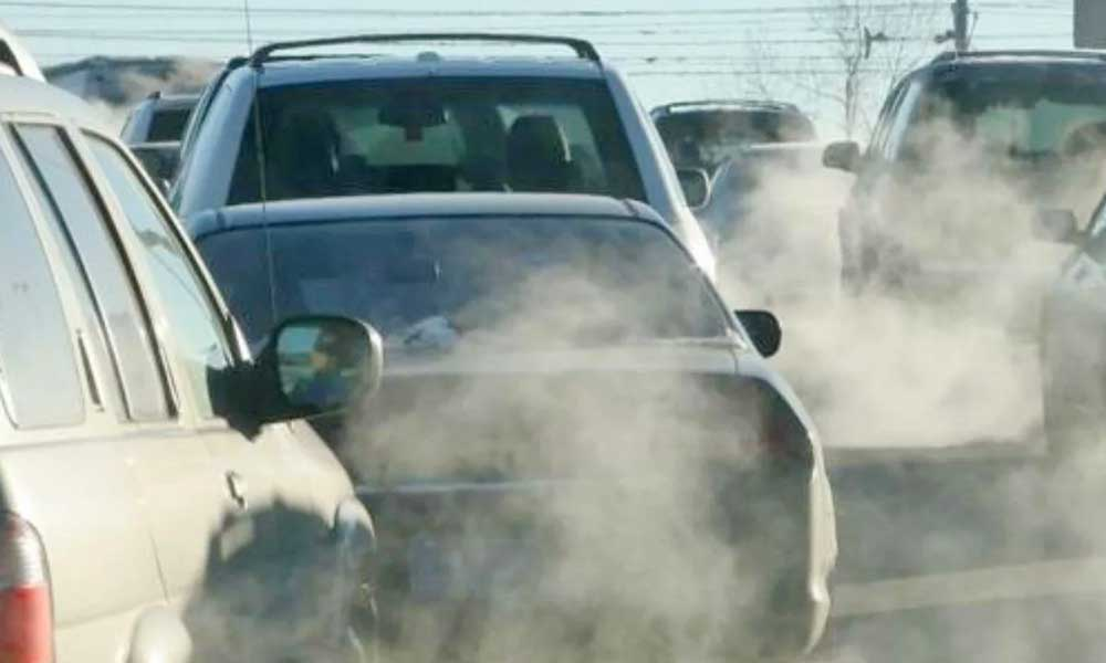 Policías multarán a automovilistas que no porten holograma de verificación en Baja California