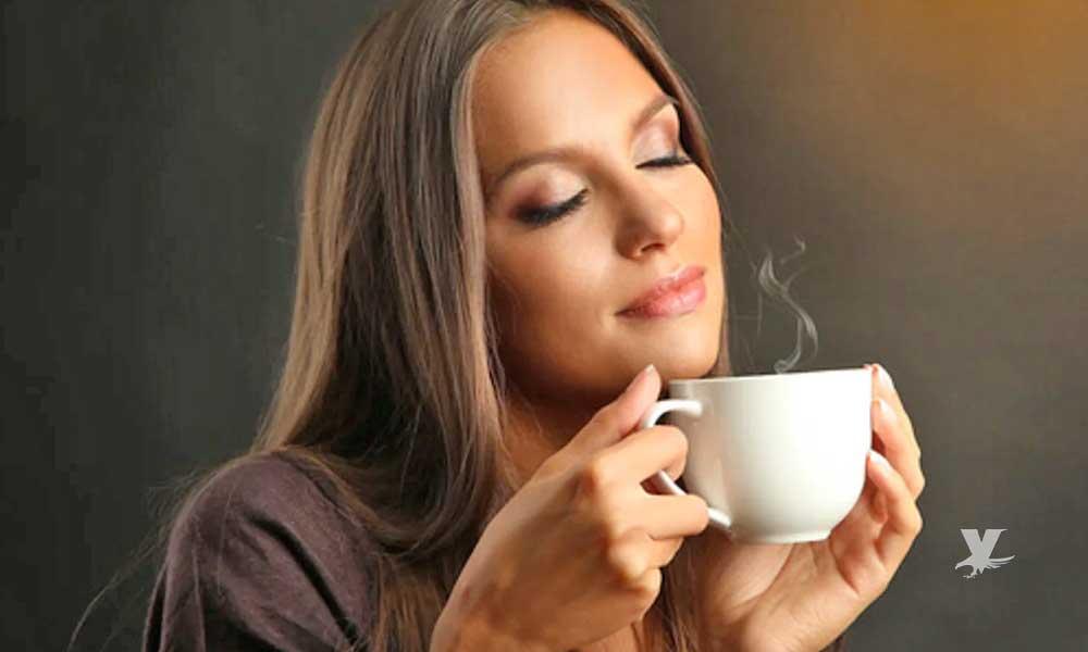 ¿Cuánto café se debe tomar para mejorar la productividad en el trabajo?