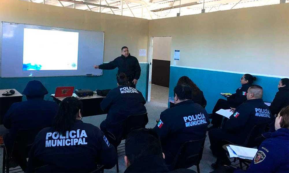 Capacitan a policías municipales de Tecate