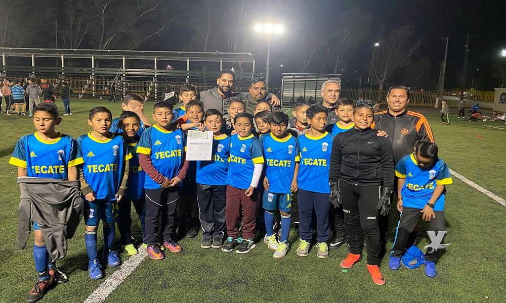 Entregan apoyo a selección de futbol para representar a Tecate en Ensenada