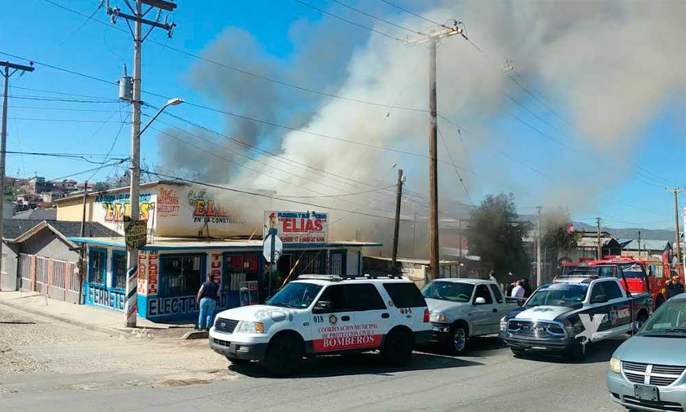 Atiende Bomberos y Protección Civil reporte de incendio en Tecate