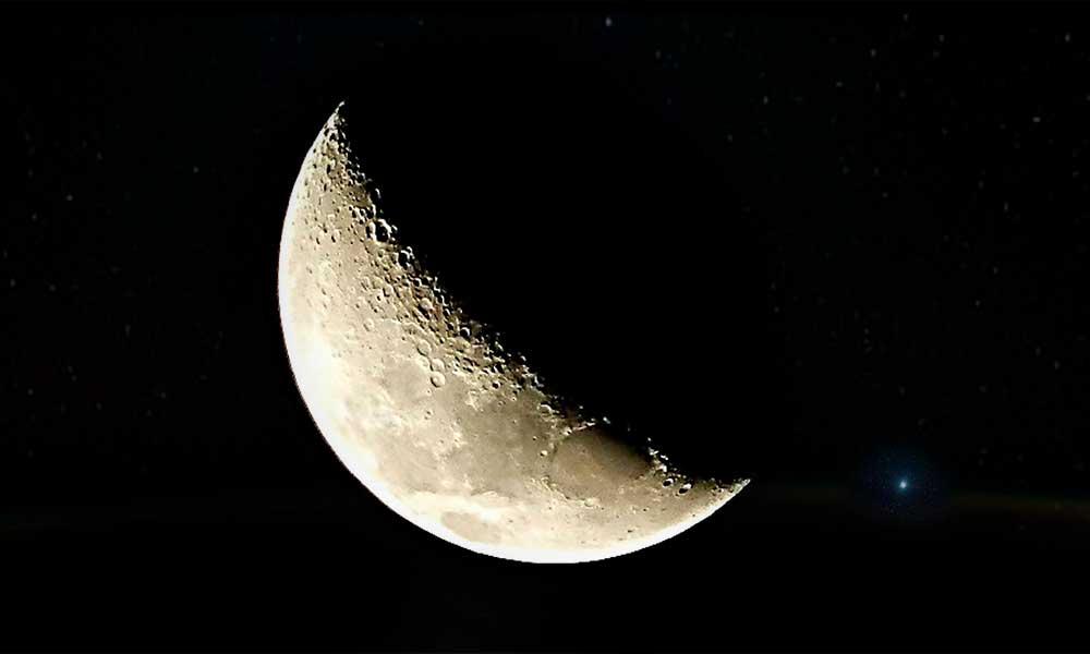 Hoy jueves podrá verse una luna creciente y un Venus muy brillante en el cielo: NASA