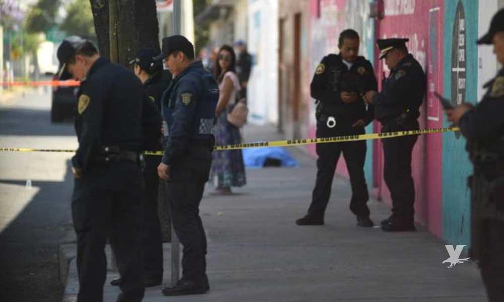 Mujer asesina a hombre que amenazó de muerte a su hijo