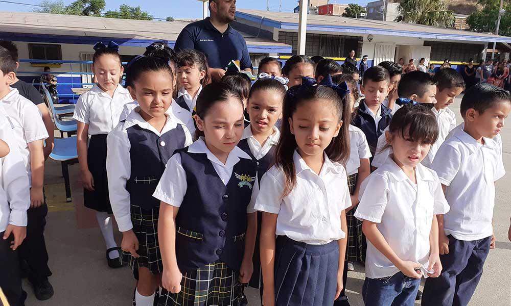 Recomiendan SE ir por hijos a la escuela e informar sobre personas autorizadas para recogerlos