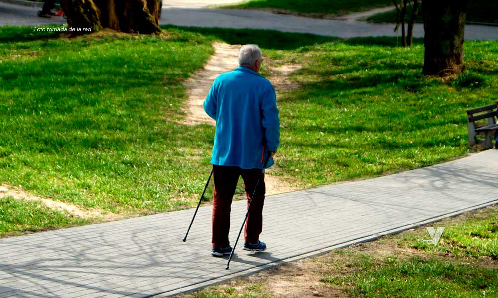Adultos mayores no deberán salir a la calle si no es necesario en BC
