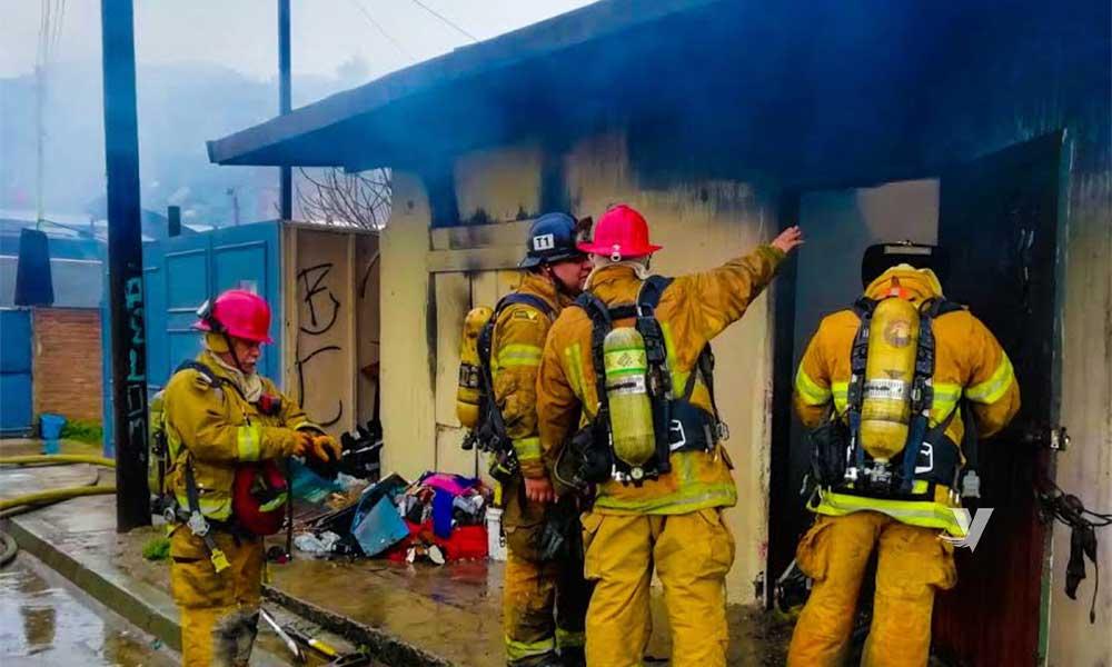 Bomberos atienden incendio en la 'Coyotera' en Tecate