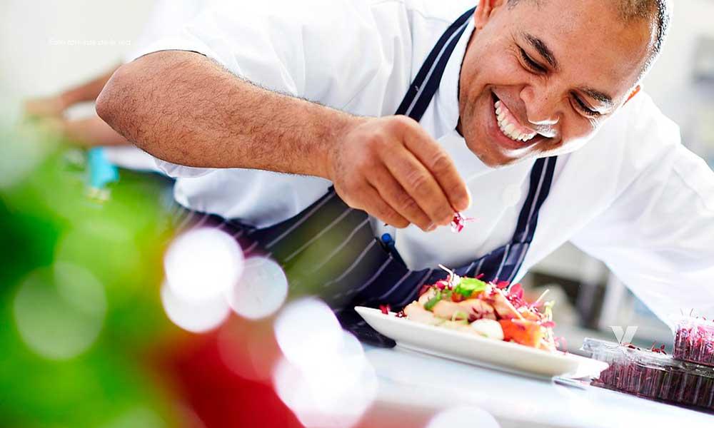 Buscan 10 Cocineros para trabajar en Canadá