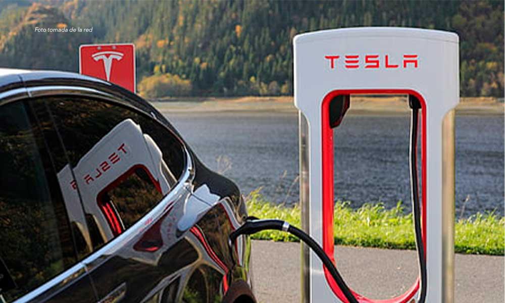 Lanza Profeco alerta para vehículos Tesla comercializados en México