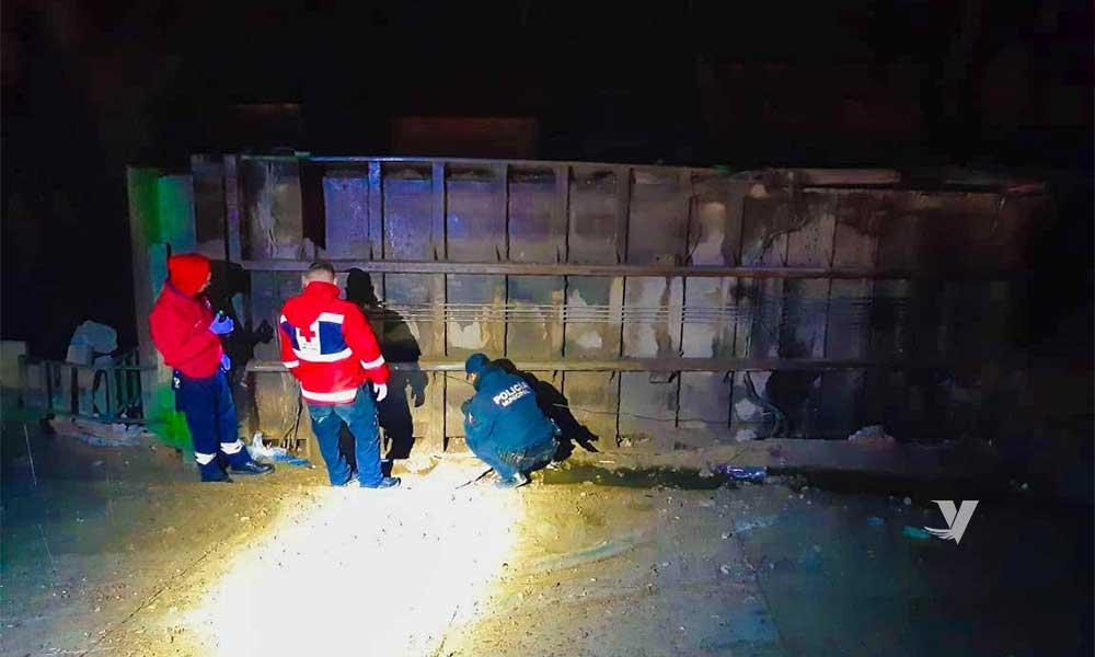 Volcadura y lesionados al interior del parque industrial El Bajío en Tecate